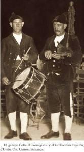 Semeya de Colás y el tamboriteru Payarón de la coleuciónde Gauson Fernade espublizada nel Cancioneru de la Gaita